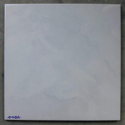 UN-4402