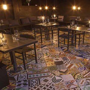 Gạch bông ngẫu nhiên trang trí nhà hàng, quán cà phê hay quán ăn