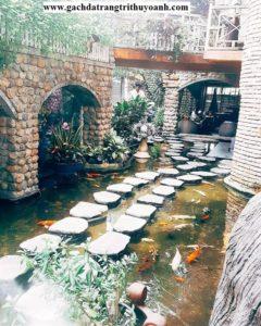 Trang trí quán cafe bằng đá cuội