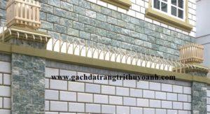 Trang trí tường bằng cách ốp đá bóc xanh ngọc