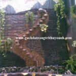 Tạo điểm nhấn cho quán cafe bằng đá chong chóng xanh ốp tường