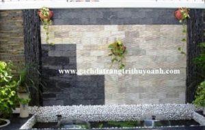 Trang trí tiểu cảnh bằng đá răng lược đen và đá răng lược vàng