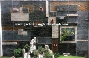Tiểu cảnh sân vườn trang trí bằng đá răng lược đen