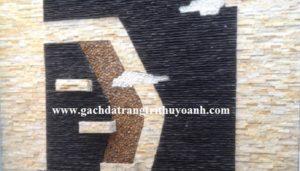 Tranh tường được trang trí bằng đá ghép vàng và đá tự nhiên