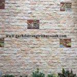 Đẹp hơn với bức tường trang trí bằng đá bóc hồng